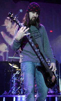 Some bass voodoo from Robbie Merrill of Godsmack
