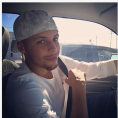 Stephen Curry driving, oh those eyes❤