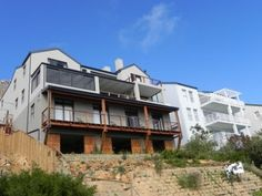 If you are planning to play golf at Clovelly Golf Club, Simon's Town, Westlake or Steenberg Golf Estate I recommend you stay atMariner Guest Housein Simon's Town.