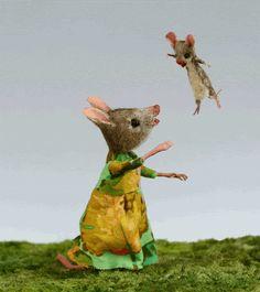 Mouse Houses by Maggie Rudy Eek A Mouse, Felt Mouse, Cute Mouse, Felt Animals, Baby Animals, Cute Animals, Maus Illustration, Hamster, Gif Animé