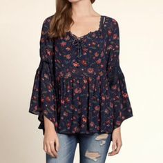 New Hollister Navy Floral Peasant top xsmall New! Hollister Tops Blouses