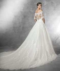 PLEASANT - Romantic vintage-style wedding dress in tulle.