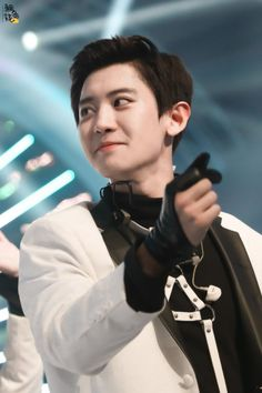 EXO 's Chanyeol has always stolen hearts but lately, fans have noticed that he's been stepping up his game. Park Chanyeol Exo, Kyungsoo, Exo Kai, Exo Ot12, Chanbaek, Rapper, Exo Official, Kim Minseok, Xiuchen