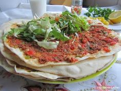 Mijn mixed kitchen: Lahmacun (zelfgemaakte Turkse pizza) Dutch Recipes, Turkish Recipes, I Love Food, Good Food, Yummy Food, Breakfast Recipes, Snack Recipes, Healthy Recipes, Snacks