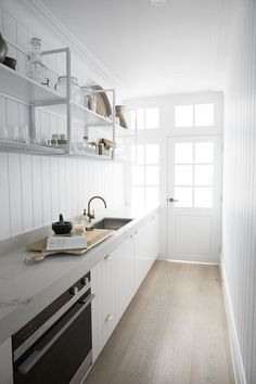 The ladies at the Three Birds Renovation share their 4 things to consider when designing your dream kitchen, after all, the kitchen is the heart of any home. Kitchen Interior, Kitchen Decor, Kitchen Ideas, Pantry Ideas, Kitchen Designs, Three Birds Renovations, Huge Kitchen, Barn Kitchen, Kitchen Pantry