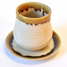 Becher Tee-Becher Kaffee-Becher beige 9cm mit Untertasse