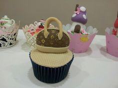 Cupcake bolso Louis Vuitton.