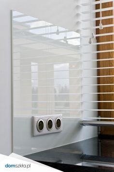 Szkło kolorowe, białe szkło, panele ścienne, kuchnia. Lacobel, white glass, wall, kitchen.