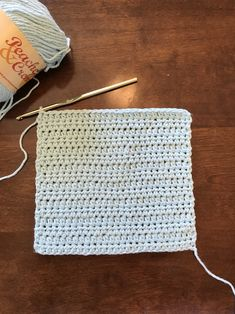 Crochet Dishcloth (Updated) Crochet dishcloth (HDC) Learn the basics of how to crocheting, starting Hdc Crochet, Crochet Hook Set, Crochet Dishcloths, Crochet Baby, Crochet Pouch, Crochet Blankets, Filet Crochet, Baby Blankets, Crochet Stitches