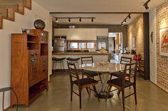 Casa Itaim  Sala de Jantar e Cozinha Projeto - Leandro Cerny - Colaboração - Enzo Sobocinski Arquitetura