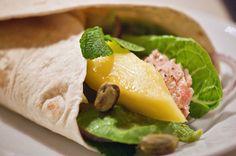 En alternativ skøn opskrift til den traditionelle mexi tortilla, mere frisk og med laks grønt og mango - Se opskrift og billeder her