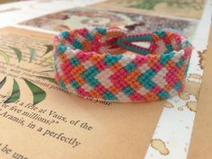 Plaid pastel friendship bracelet pattern number 3213 - For more patterns and tutorials visit our web or the app!