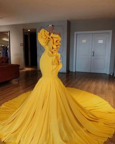 Beautiful prom and pageant gown! View more beautiful gowns by browsing Pageant Planet's dress gallery! Yellow Evening Dresses, Cheap Evening Gowns, Elegant Dresses, Formal Dresses, Wedding Dresses, Yellow Wedding Dress, Yellow Gown, Fall Dresses, Long Dresses