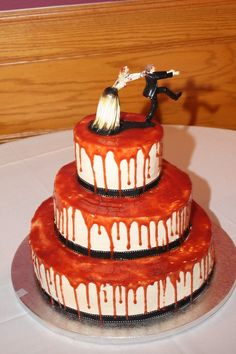 Wedding halloween drip cake