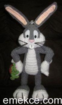 Amigurumi oyuncak Bugs Bunny yapılışı Emekce.com farkıyla sizlerle; bacak arası; Gri renk ip ile 5 zincir çekerek başlayın sıralar halinde çalışın. 1: 5sık iğne (5) 2-4: 1zincir, 5sık iğne (5) baca…
