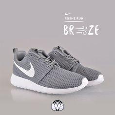 #nike #rosherun #nikeroshe #rosherunbr #breeze #sneakerbaas #baasbovenbaas  Nike Roshe Run Breeze - Now available online, priced at 89,99 Euro  For more info about your order please send an e-mail to webshop #sneakerbaas.com!