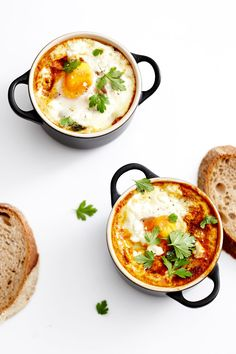 For my birthday this year I was given the most beautiful Le Creuset mini cocotte dishes (see picture above) from my dear friends, in satin black - they know me very well don't they?! I wouldn't usually write a recipe around a platter or dish, but these were just too divine so definitely war