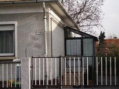 Használt családi ház – Kádárkocka Garage Doors, Outdoor Decor, Home Decor, Decoration Home, Room Decor, Home Interior Design, Carriage Doors, Home Decoration, Interior Design