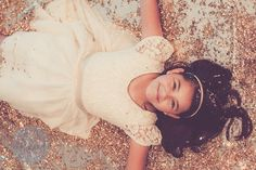 Glitter Shoot | erinkillionphotography.com glitter, sparkle, little girl, tween, gold, play, dress up, fun, shimmer, holiday, glitter photo shoot, glitter shoot, glitter session, gold glitter, princess