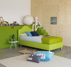 Letto Peonia Design Centro Ricerche Flou, Con Rivestimento Ecopelle 9014.  Sul Letto, Coordinato