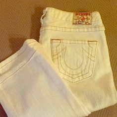 True Religion Johnny White Jeans Perfect condition! White denim, straight leg/slightly boot cut leg, with stitched pockets. Super cute, no stains, only worn a few times. Approx 30 inch inseam. True Religion Jeans