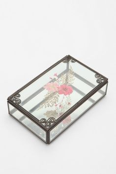 Feminine Pressed Flower Jewelry Box - Urban Outfitters - $16.00