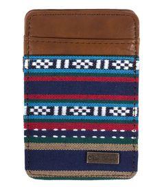 De Trick Wallet van Icon Brand is een multifunctionele portemonnee. De portemonnee is uitgevoerd in hoogwaardig imitatieleer en biedt ruimte aan meerdere pasjes en briefgeld.