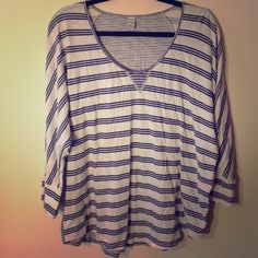 Old Navy White and Blue Striped Jersey Top Old Navy White and Blue Striped Jersey Top - super comfortable and would like great styled with boyfriend jeans and white Converse! Old Navy Tops