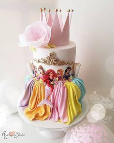 Princess cake, birthday cake, Disney, Disneyland - Motivtorten - Princess c Beautiful Cakes, Amazing Cakes, Birthday Cake Girls, 4th Birthday, Disney Princess Birthday Cakes, Birthday Ideas, Mermaid Birthday, Birthday Decorations, Disney Cakes