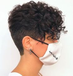Shaved Curly Hair, Short Shaved Hairstyles, Short Curly Hairstyles For Women, Haircuts For Curly Hair, Curly Hair Cuts, Curly Hair Styles, Pixie For Curly Hair, Short Curly Cuts, Shaved Pixie Cut