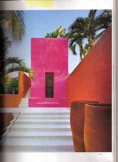 Wow! This combination of fuchsia and orange is so exotic and lush! You know how I love exotic architecture and interiors. As featured in the latest edition of Object International magazine,Casa Tor...
