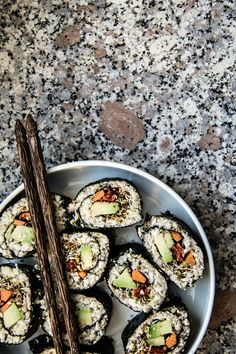 raw-vegan-sushi