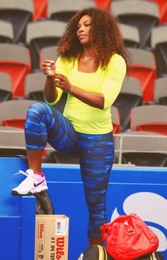 I love this picture. Serena Williams Photos, Serena Williams Tennis, Venus And Serena Williams, Black Is Beautiful, Beautiful Women, American Tennis Players, Black Sistas, Wonder Twins, Tennis Fashion