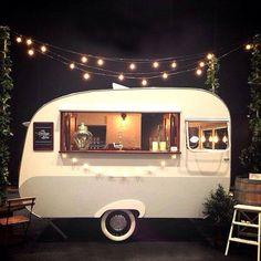 22 ideas for vintage food truck design mobile bar Caravan Bar, Retro Caravan, Mini Caravan, Mini Bars, Vintage Caravans, Vintage Trailers, Vintage Campers, Vintage Airstream, Food Trucks