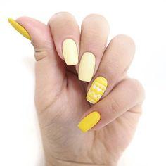 W towarzystwie Racing Car i Banana melduję pełną gotowość do Świąt! Widać, że pisanka? 🐣🐥🐣 Więcej ➡ #patamaluje   #easternails #nails #egg #easteregg #manicure #hybrid #hybrydy #stylizacja #paznokcie #semilac #semigirl #semilover #semieaster #racingcar #banana #easter #wielkanocnepaznokcie #yellownails #nägel #claws #uv #led #pazurki