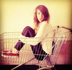 Why is she so perfect? Zoe sugg. <3