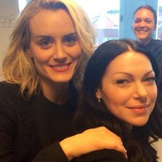 Taylor schilling and laura prepon in sweden