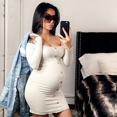 Jacklyn Off Shoulder Mini Dress – Oatmeal: How to Dress when Pregnant. You can still look stylish and feel good. Cute Maternity Outfits, Stylish Maternity, Maternity Pictures, Maternity Fashion, Cute Outfits, Maternity Styles, Maternity Swimwear, Fall Pregnancy Outfits, Pregnancy Dress