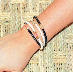 https://tootz.nl/sieraden #ibiza #sieraden #armband #armbanden #kralen #wit #zwart #aztec #mode