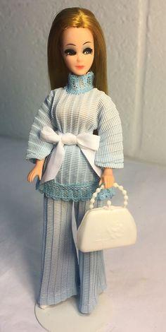 Vintage Topper Dawn Doll/H11A Wearing 2PC Petite Fashion