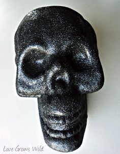 Glam glitter skull from Love Grows Wild. Installing Light Fixture, Glam And Glitter, Barbecue Chicken, Holidays Halloween, Halloween Ideas, Fall Season, Skull, Fall Decorations, Fancy