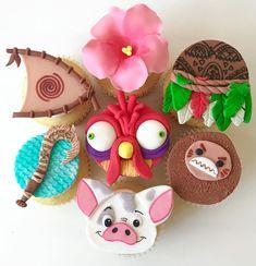 Cupcakes Moana, Moana Cupcake Toppers, Moana Cookies, Disney Cupcakes, Fondant Cupcake Toppers, Moanna Cake, Moana Birthday Party, Birthday Parties, Festa Moana Baby
