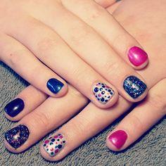 nails, accent nail, gelish, shellac, gellac, nail art, pink, blue, black, glitter, purple, silver, dots, spots