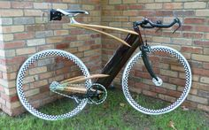 A wooden fixie, cargo bikes, a social statement, and more – Bicycle Design Fixed Gear Bikes, Fixed Bike, Bike Run, Bike Rides, Wooden Bicycle, Wood Bike, Bicycle Art, Velo Design, Bicycle Design