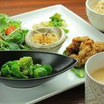 オーガニックカフェ han - 料理写真:false meet plate(お肉もどきのプレート)
