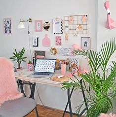 Pin by desk life bliss on workspace & desk inspiration in 20 Home Office Space, Home Office Design, Home Office Decor, Office Ideas, Office Furniture, Study Room Decor, Diy Room Decor, Bedroom Decor, Workspace Inspiration