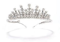 The Royal Order of Sartorial Splendor: Tiara Thursday: Grace's Van Cleef & Arpels Tiara