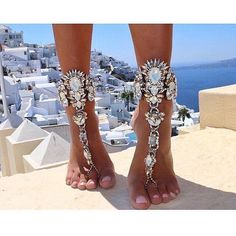 Would - LOVE - to see this become a pageant trend! Of course it would only fly in the fashion forward systems but a little bling on the feet wouldnt hurt anybody!  #feetbling #pageant #pageants #newtrend #fashionforward #blingitout #diamonds #rhinestones #sostunning #loveit #missusa #perfectpageant #missgalaxy #internationaljuniormiss #getitgirl #fashionista #pageantgirl #pageantqueen #uniquelydifferent #blingqueen #sparklebaby #shinebright #likeadiamond : @studiosash Own That Crown is a…