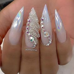 Do you want to attract attention and look different? Well, we offer to see our designs by Long Stiletto Nails and stay trendy. Long stiletto nails are brave eyes and it can be very hard to ignore this style. Glam Nails, Hot Nails, Fancy Nails, Bling Nails, Trendy Nails, Beauty Nails, Fabulous Nails, Gorgeous Nails, Nagel Bling