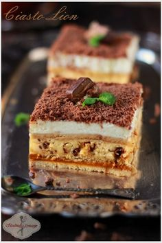 "Ciasto ""Lion"" / cake with Lion bars Polish Desserts, Polish Recipes, Pastry Recipes, Cookie Recipes, Dessert Recipes, Cake Cookies, Cupcake Cakes, Cake Recept, Lion Cakes"